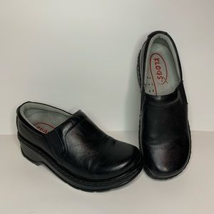Klogs USA Black Leather Clogs Size 7M EUC
